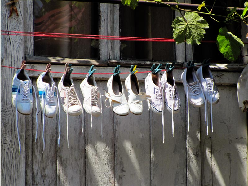 обувь на веревке