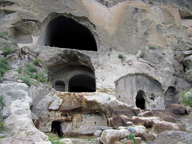 Пещеры монастыря Вардзиа