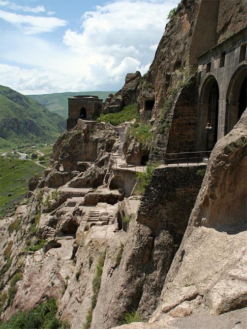 Вид на главный храм Вардзиа