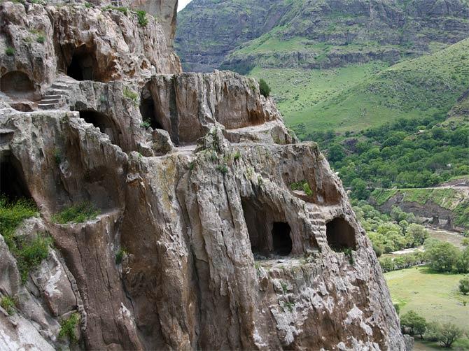 Скалы Вардзиа