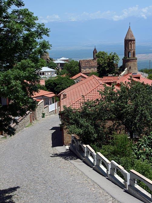 Улица и церковь в Сигнаги