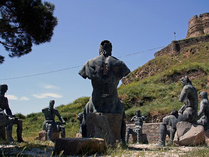 Воины в Гори