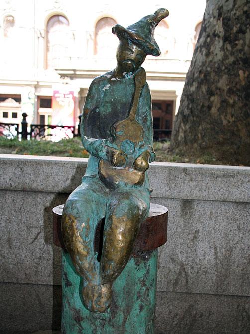 Скульптура музыканта