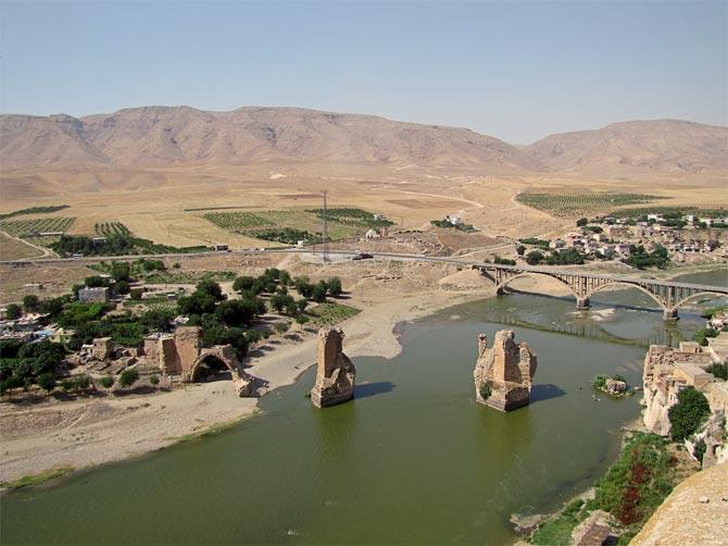 Вид на Тигр и мосты из крепости