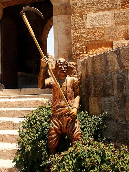 Статуя в крепости Газиантепа