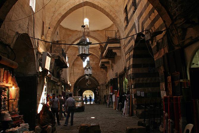 Вход на рынок в Алеппо
