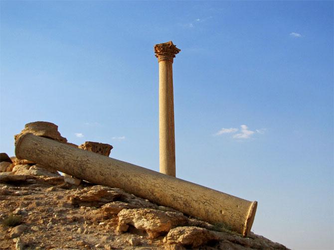 Одинокая колонна