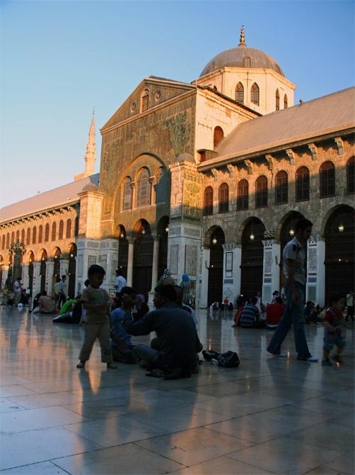 Двор мечети Омейядов