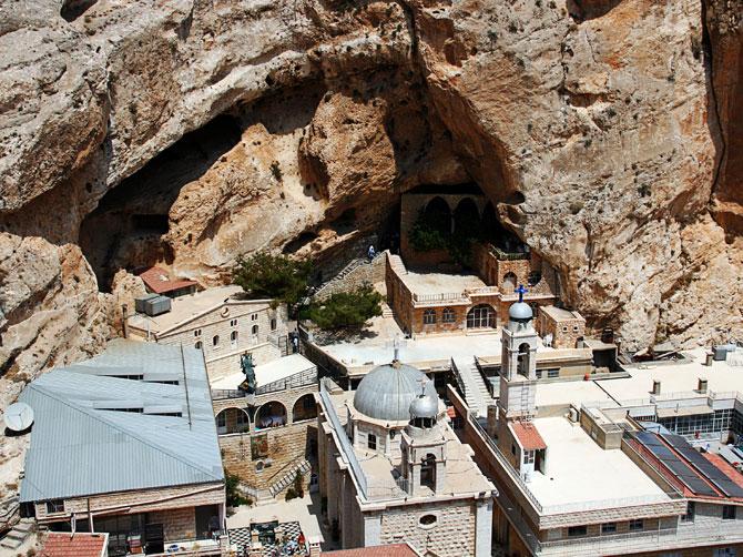 Пещера святой Феклы в Маалюле, Сирия