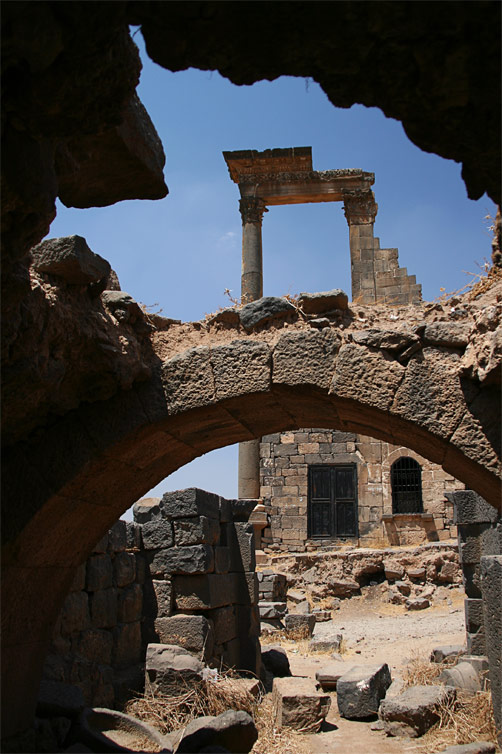 Античные руины в Босре, Сирия