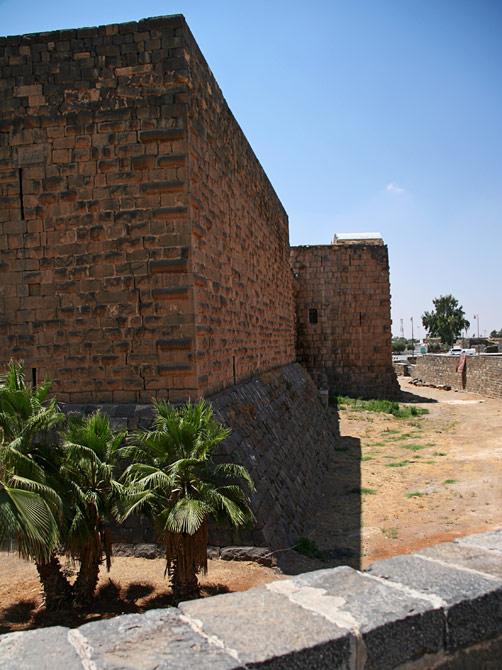 Крепостные стены, Босра, Сирия