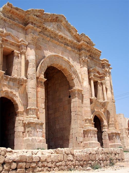 Арка императора Адриана
