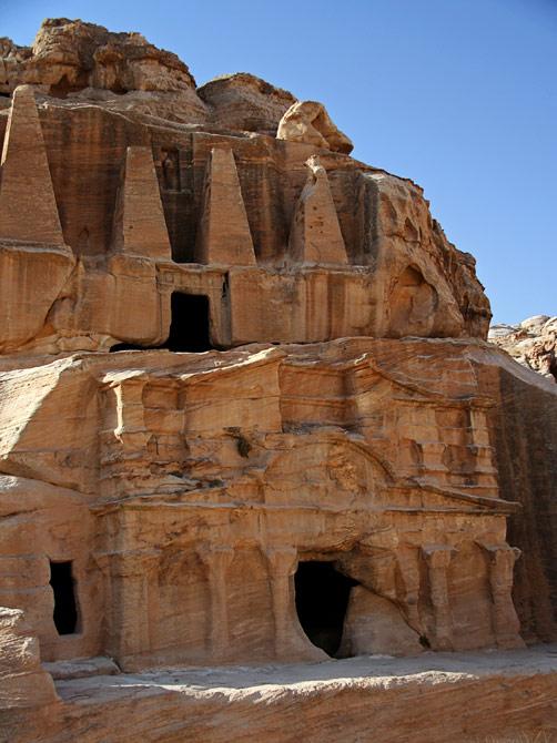 Вход в пещеру, Петра, Иордания