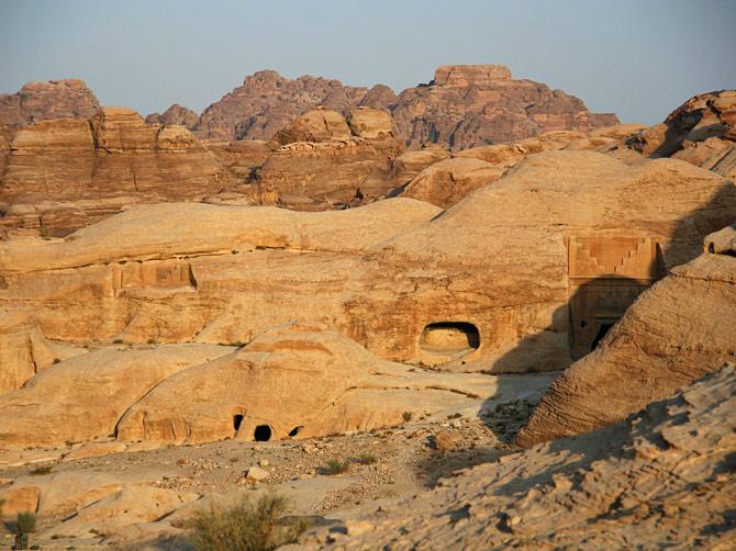 Камень джиннов на рассвете, Петра, Иордания