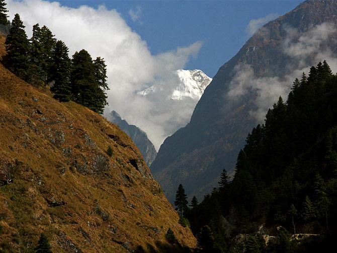 Гималаи за облаками