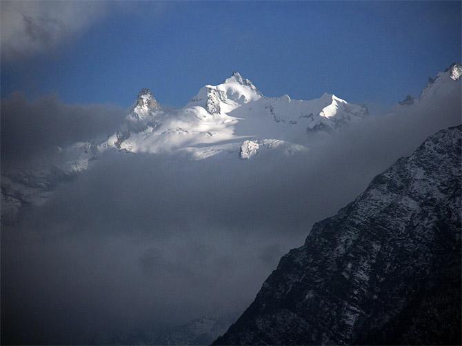 Совсем снежные вершины