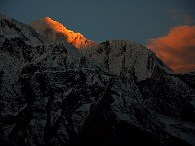 Рассветные Гималаи
