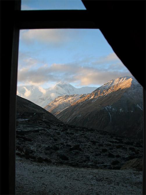 Вид из окна в Летдаре