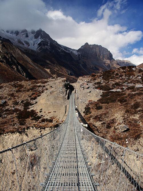 Подвесной мост, Летдар - трек вокруг Аннапурны, Непал, Гималаи