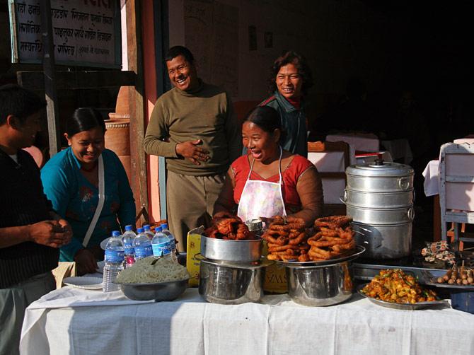 Смеющиеся непальцы, Покхара, Непал