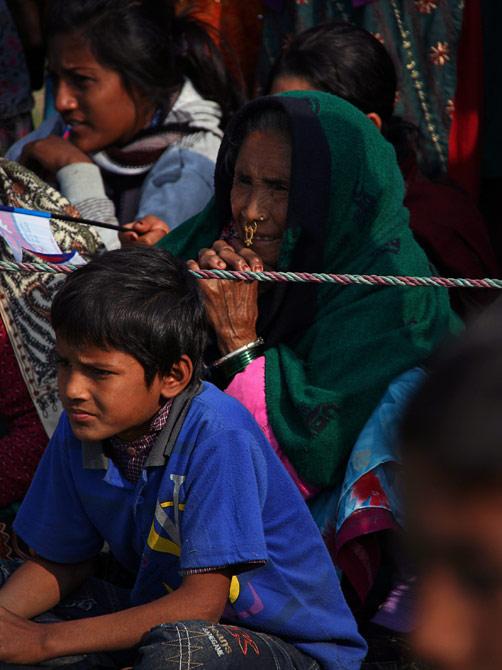 """Непальская женщина, фестиваль """"Слоновьи бега"""", Читван, Непал"""