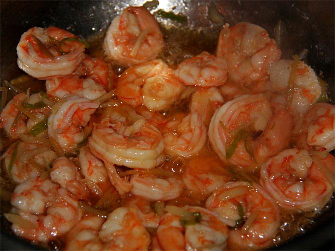 Рецепт жареного риса по-тайски - креветки готовые