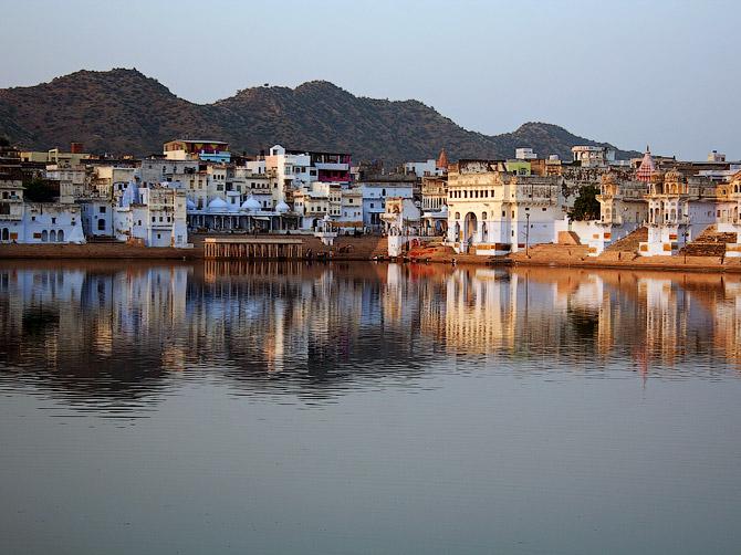 Озеро в Пушкаре, Раджастан, Индия