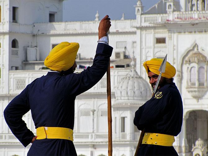 Охранники Золотого храма