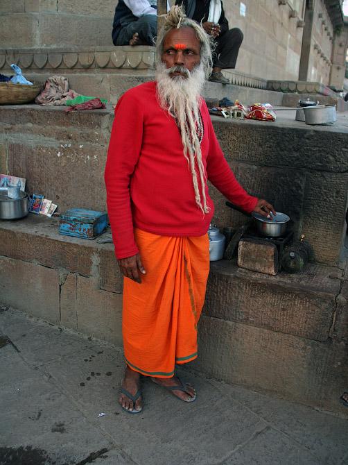 Торговец чаем шиваит Лакшман-баба, Варанаси, Индия