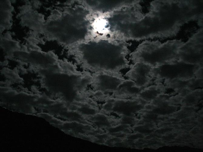 Лунная ночь в Манали, Индия