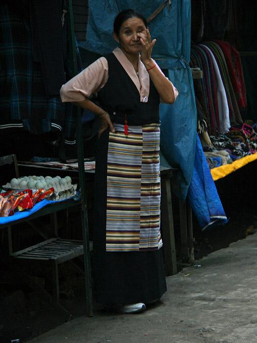 Тибетская женщина в Маклеод Ганже, Дарамсала, Индия