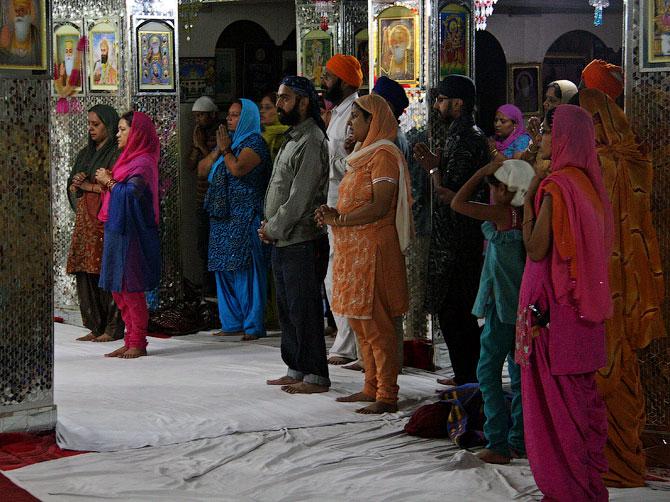 Сикхская служба в Маникаране, Индия