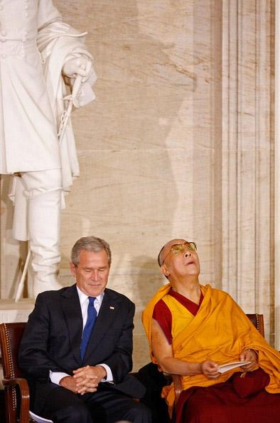 Далай-лама XIV и Джордж Буш младший
