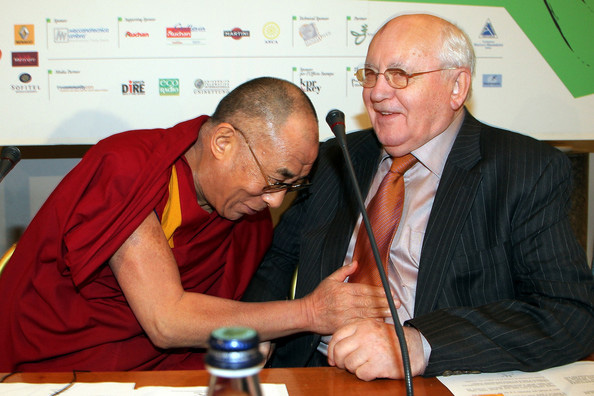 Далай-лама XIV и Михаил Сергеевич Горбачев
