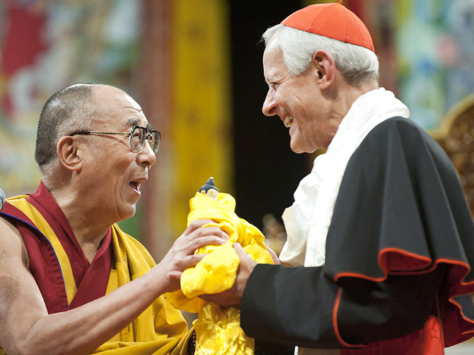 Далай-лама XIV и католический кардинал