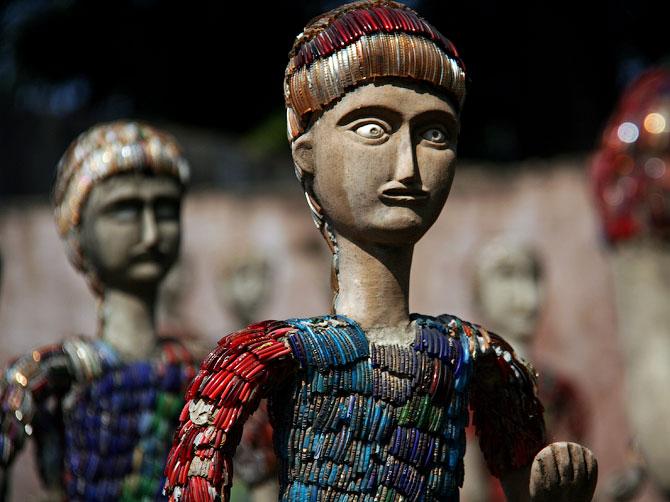 Лицо статуи в Парке камней, Чандигар, Индия