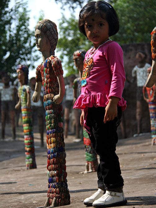 Индийская девочка в Парке камней, Чандигар, Индия