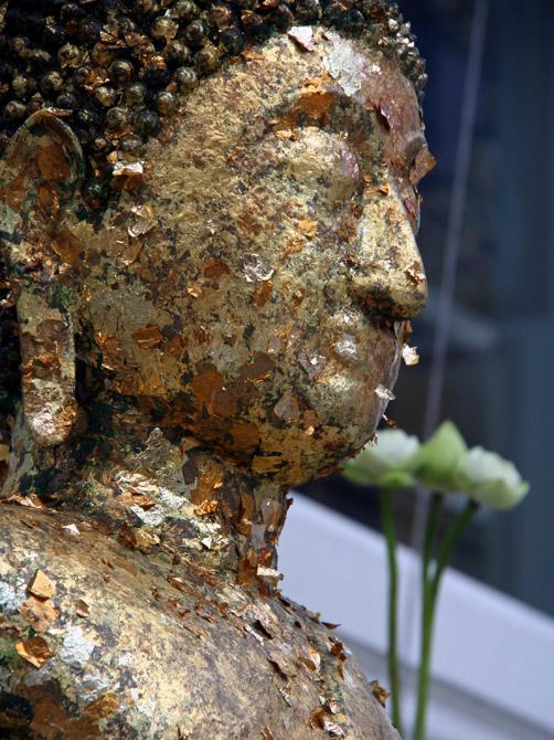 Статуя Будды в храме Ват Сакет, Бангкок, Таиланд