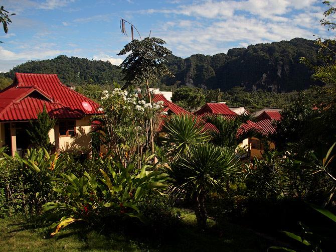 Вид с нашей веранды в Ао Нанге