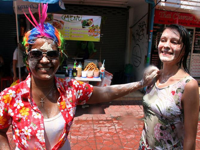 Сонгкран - тайский Новый год в Бангкоке