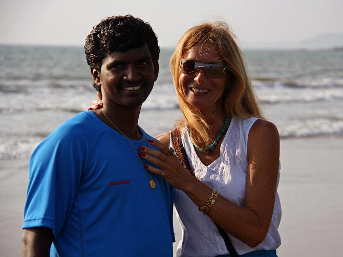 Ира и Манжу на пляже в Гоа