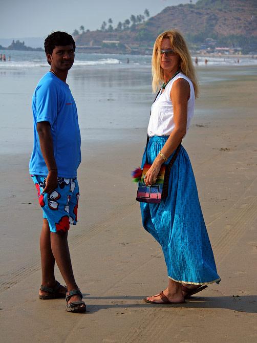 Ира и Манжу на пляже в Арамболе