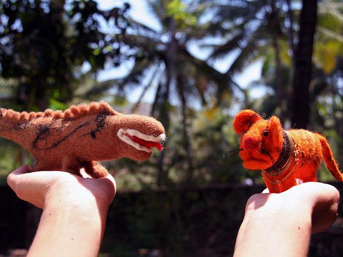 Тигр и крокодил из войлока