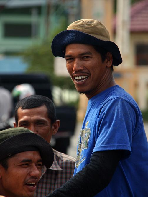 Суматранский рыбак, Банда Аче, Суматра, Индонезия