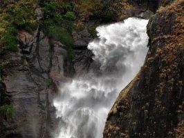 Гималайский водопад