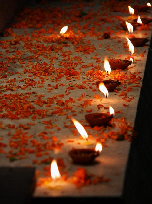 Свечи в индуистский праздник Дивали, Катманду, Непал