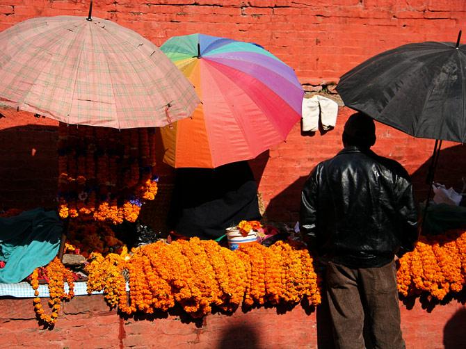 Пестрые зонитики, площадь Дурбар, Катманду, Непал