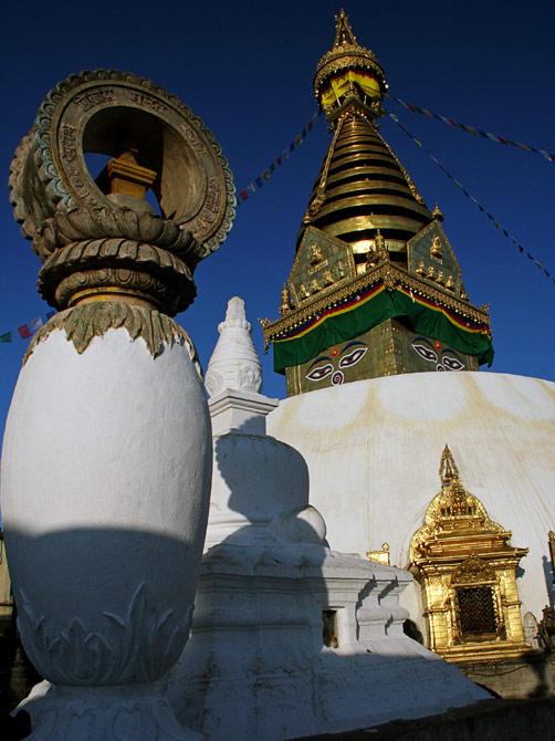 Храмы на холме Сваямбунат, Катманду, Непал