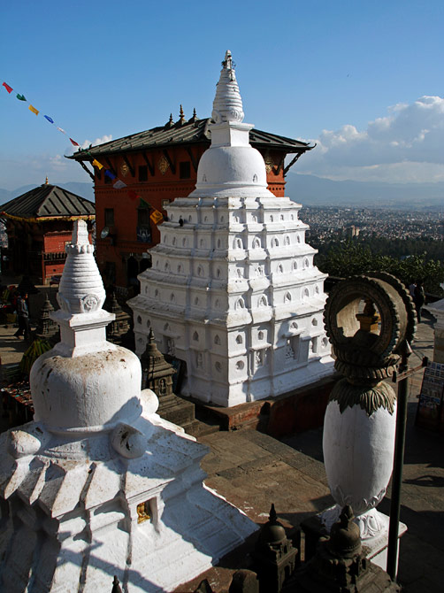 Вид со Сваямбунат на долину Катманду, Непал