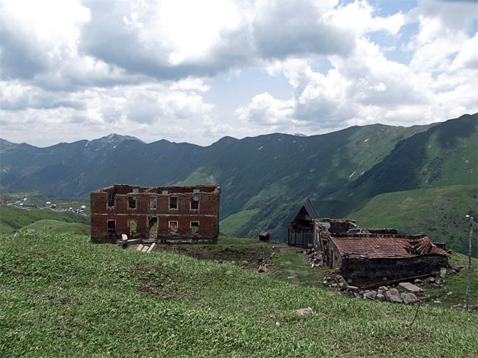 Развалины в Гудаури